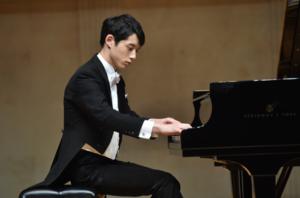 坂口健太郎はピアノで革命を弾ける?動画は?習ってるけど下手?