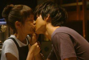 山崎賢人の彼女は桐谷美玲で確定!?がっつりキス画像